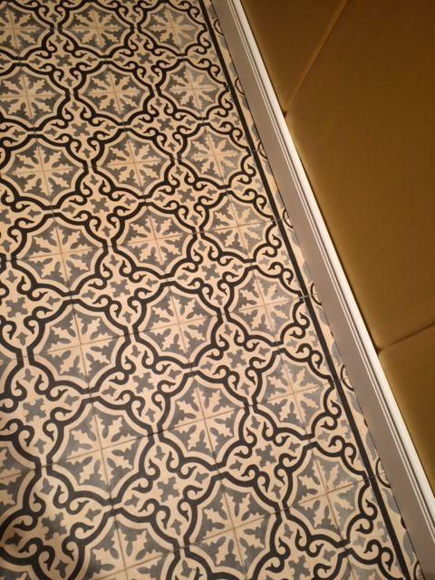 zementfliesen iraquia grau wei schwarz vintage jugendstil. Black Bedroom Furniture Sets. Home Design Ideas