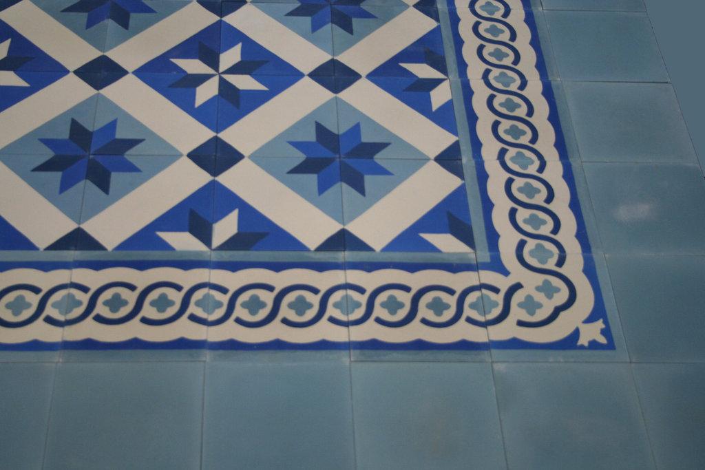 bodenfliesen zementfliesen spanische fliesen obelisk blau. Black Bedroom Furniture Sets. Home Design Ideas