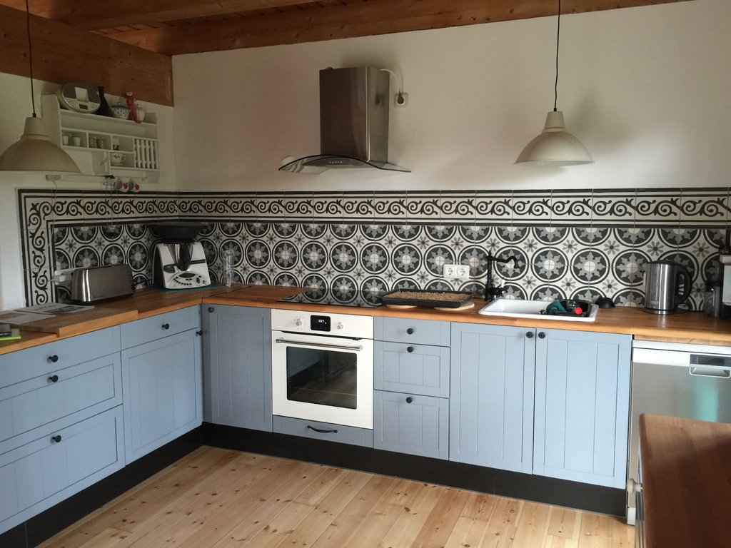 Zementfliesen Radia Schwarz Weiss Vintage Jugendstil Fliesen - Fliesen küche schwarz weiß