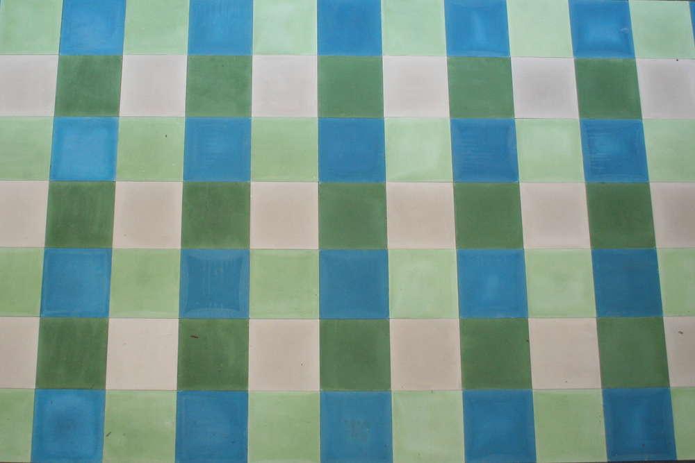 Fußboden Fliesen Grün ~ Zementfliesen patchwork uni grün blau grau kariert bodenfliesen